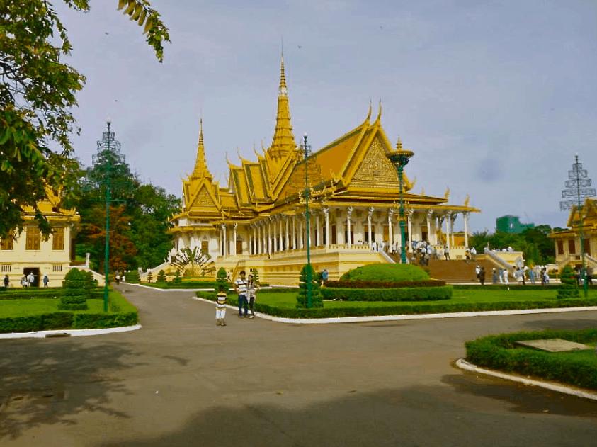 Cambodia Trip: Part 1  –  Kratie and Phnom Penh