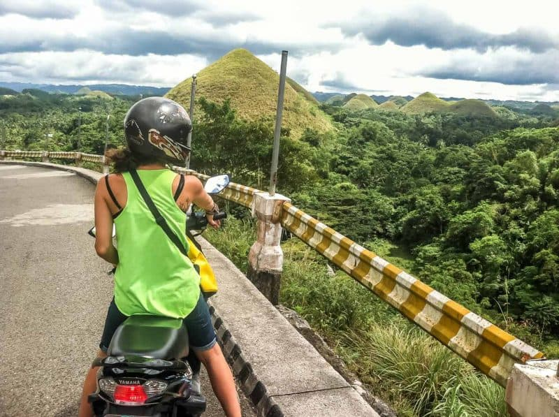 Motorbiking around the Chocolate Hills in Bohol
