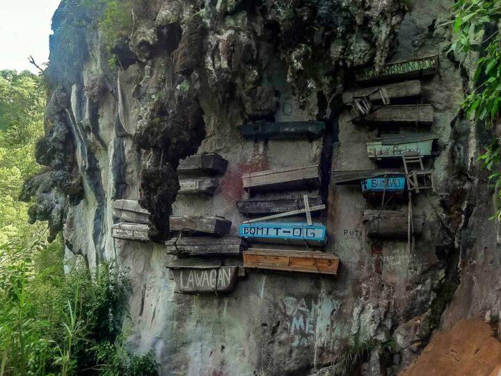 sagada philippines hanging coffins