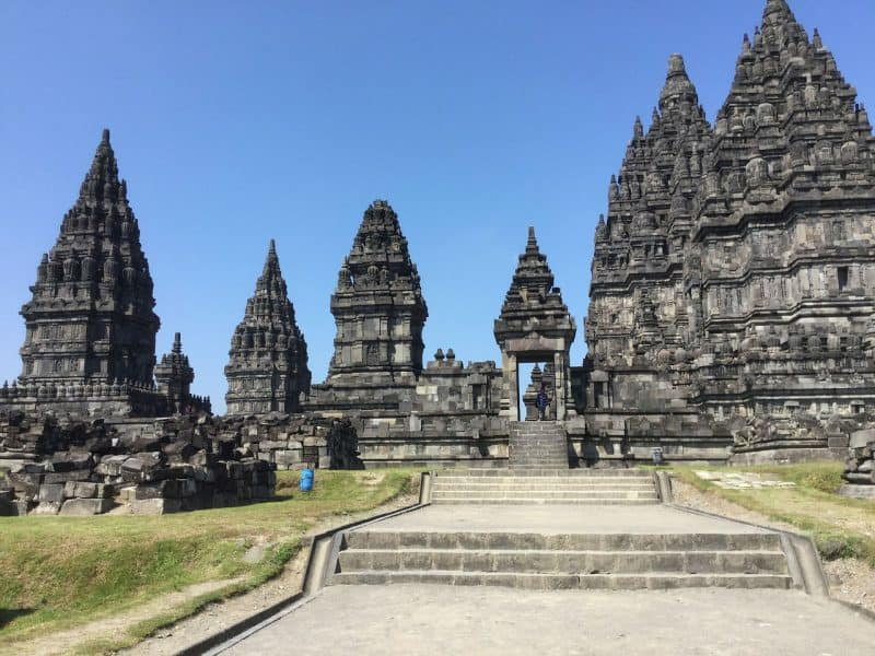 Enjoy DIY borobudur and prambanan tour.