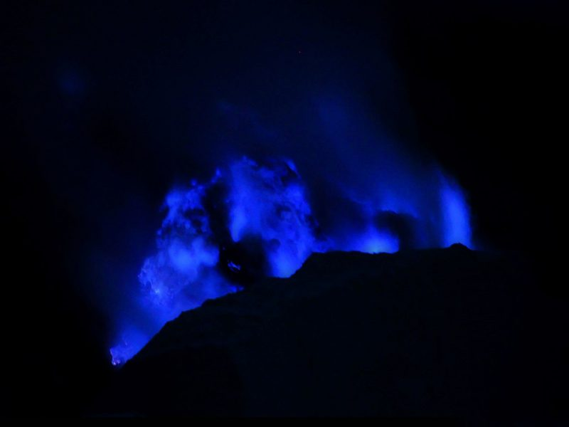 How to hike kawah ijen without a tour.