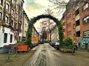 I saw a Cologne lawn arch as I wondered