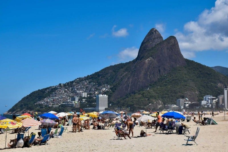 Rio De Janeiro itinerary is incomplete without seeing Ipanema beach.