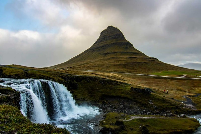 Kirkjufell iceland's most popular place to visit on an iceland itinerary