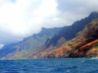 Spend a day at leisure in Na Pali Sea Cliffs during your first trip to Hawaii