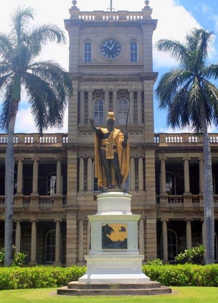 Seeing Statue of King Kamehameha is one of the best activities to do in one week in Hawaii