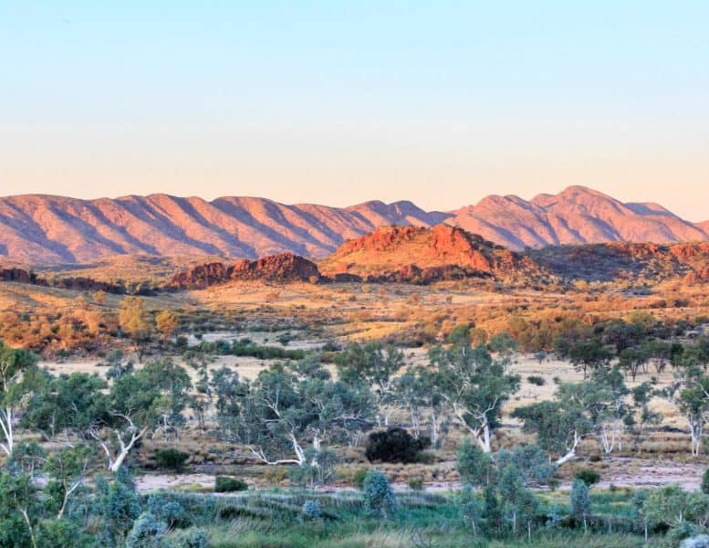 Mount Sonder is one of the best things to do near Alice springs.
