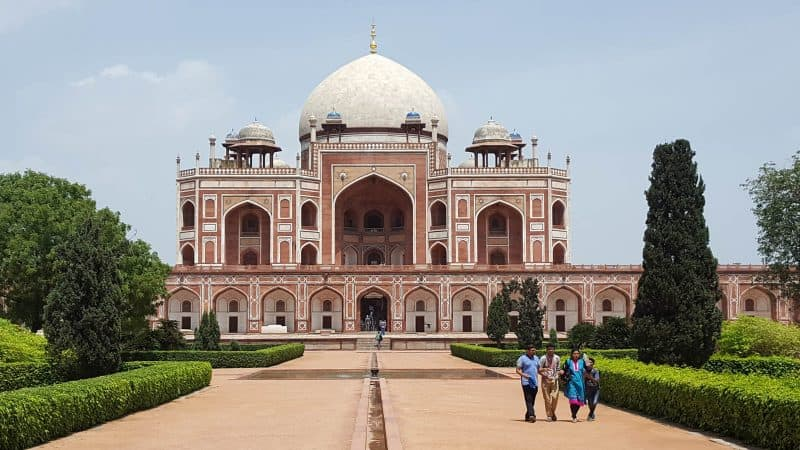 Follow the popular golden triangle India itinerary.