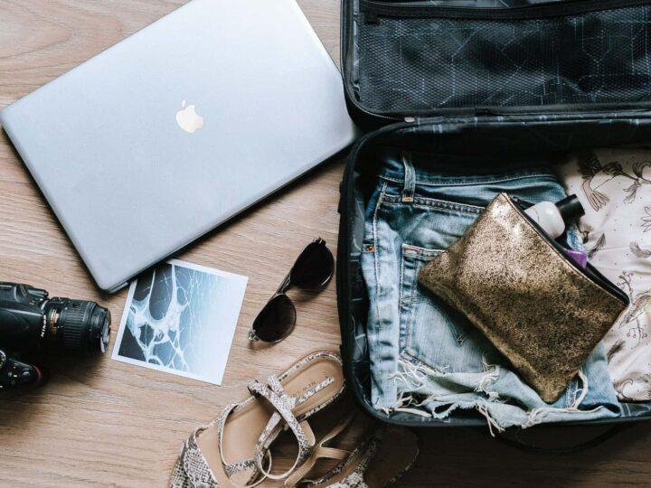 23 Digital Nomad Jobs: Take Your Desk Around The World