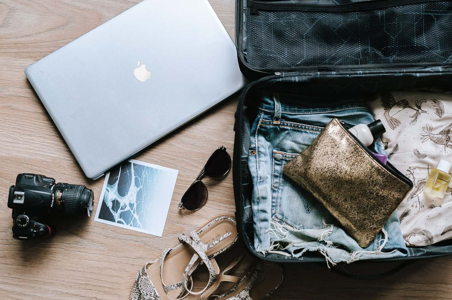 23 Digital Nomad Jobs: Take Your Desk Around The World