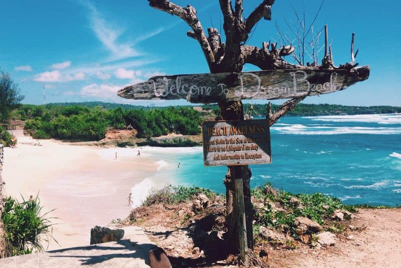 Dream beach nusa lembongan Indonesia