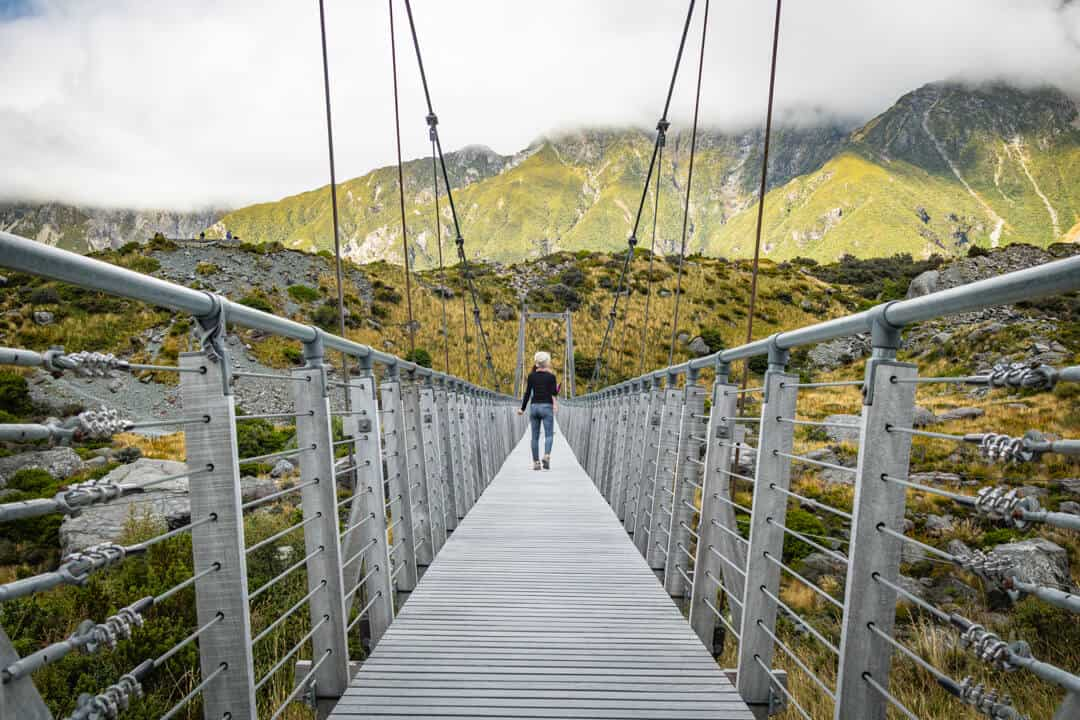 mount cook hike hooker valley bridge