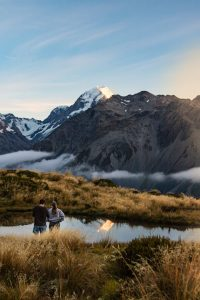 mount cook hike red tarns reflection
