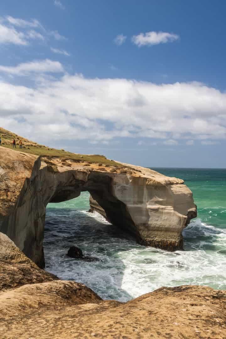 Tunnel beach arch