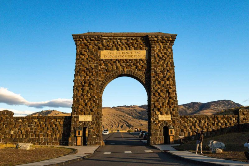 Roosevelt Arch is another thing to put on your Yellowstone itinerary