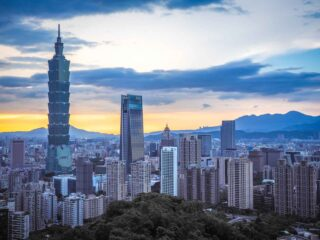 How I Saved Loads of Money Teaching in Taiwan