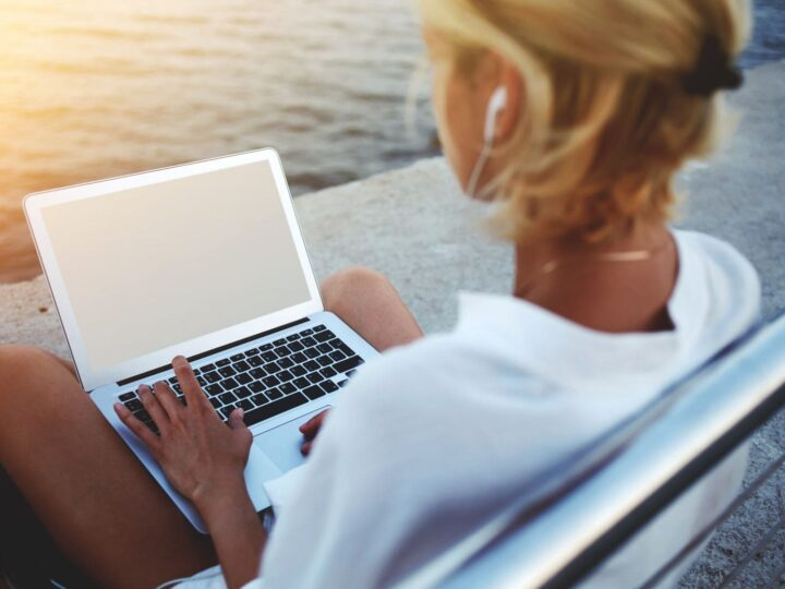 20 Online Jobs With No Experience Needed (So You Can Travel More)