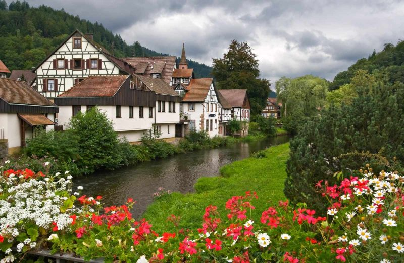 When you're on your Germany road trip in the Black Forest, make sure to stop in the cute town of Schiltach.