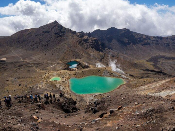 Your Guide to The Tongariro Alpine Crossing Hike in New Zealand
